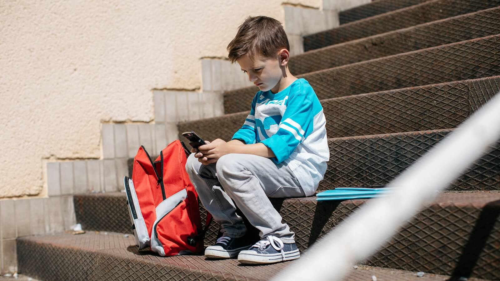 boy-with-phone
